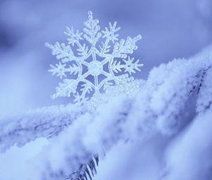 Preview wallpaper snow, snowflake, winter, form, pattern