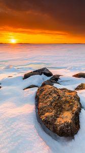 Preview wallpaper snow, sun, block, horizon