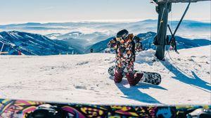 Preview wallpaper snowboarder, snowboarding, mountain, snow