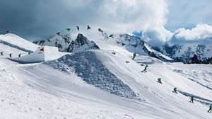 Preview wallpaper snowboarding, red bull, trick, quiksilver