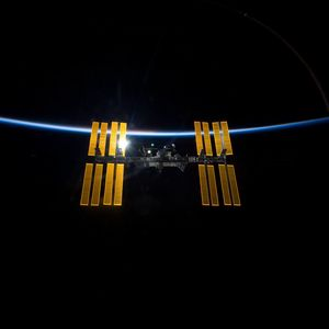 Preview wallpaper space, station iss, world, laboratory, light