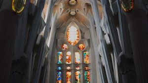Preview wallpaper spain, barcelona, gaudi, stained glass