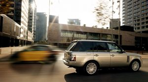 Preview wallpaper speed, city, blur, land rover