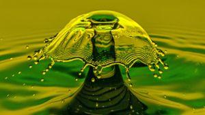 Preview wallpaper splash, spray, liquid, macro, color