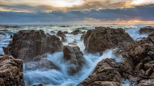 Preview wallpaper storm, waves, rocks, water