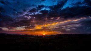 Preview wallpaper sunrise, dawn, clouds, horizon, sky