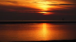 Preview wallpaper sunset, sea, skyline, twilight, sky