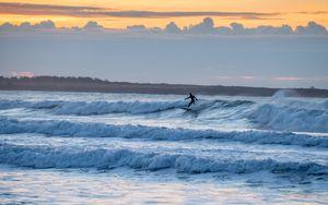 Preview wallpaper surfer, surfing, waves, ocean, dusk