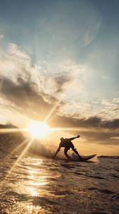 Preview wallpaper surfer, wave, sun, ocean, sunlight, glare