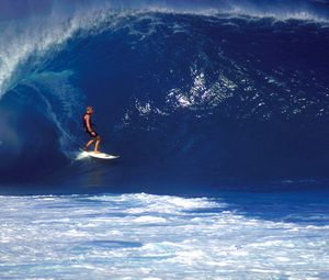 Preview wallpaper surfing, guy, board, wave
