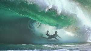 Preview wallpaper surfing, under water, wave, guy