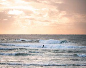 Preview wallpaper surfing, waves, ocean, horizon, sky