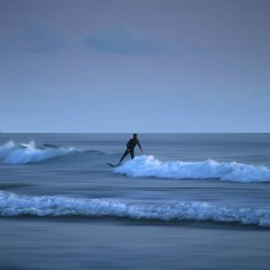 Preview wallpaper surfing, waves, sea, board, horizon