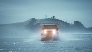 Preview wallpaper suv, car, fog, water