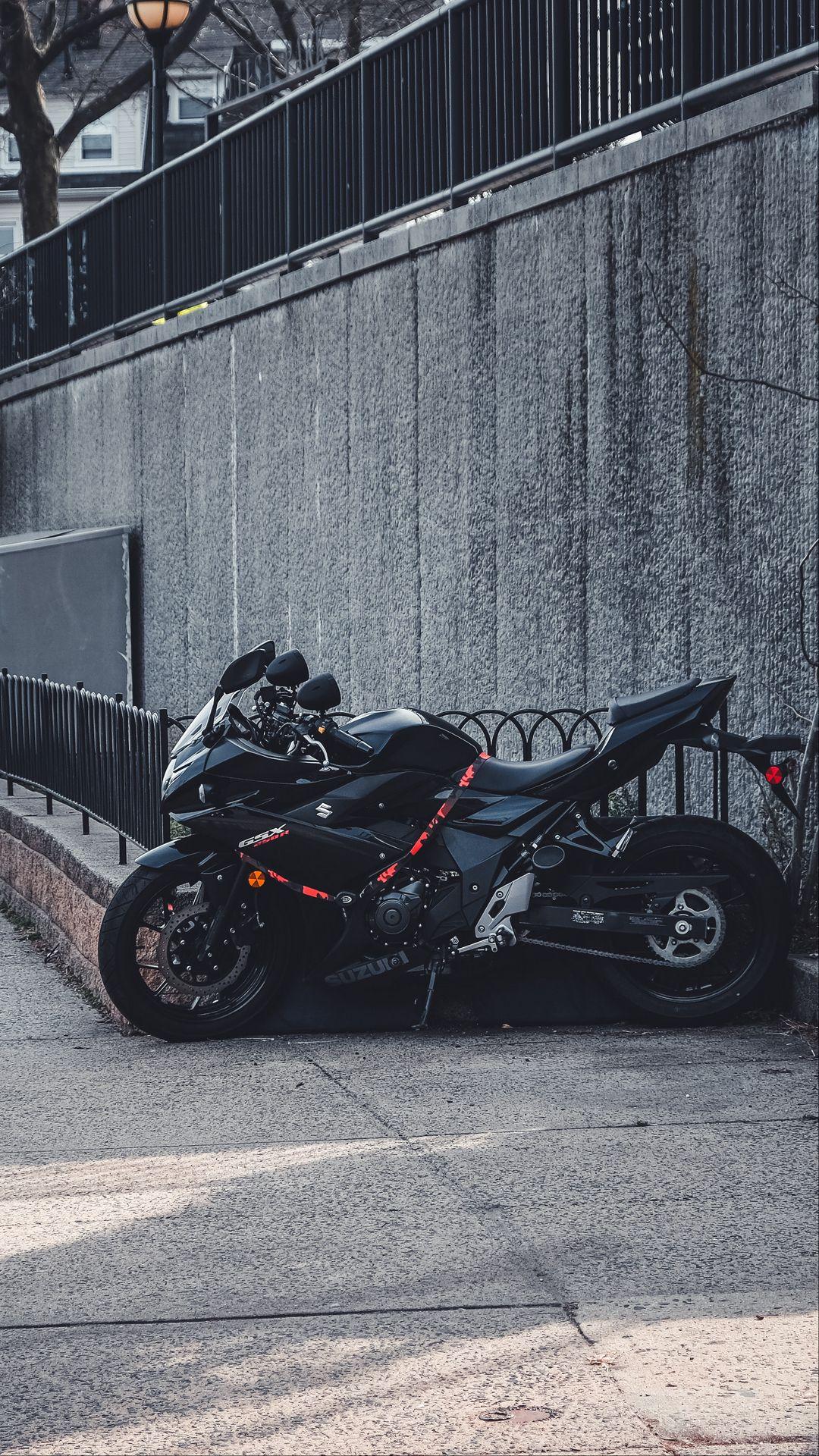 1080x1920 Wallpaper suzuki, motorcycle, bike, black, parking