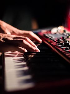 Preview wallpaper synthesizer, keys, fingers, hands, musical instrument, music