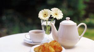 Preview wallpaper tea, croissant, service