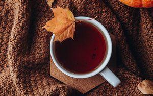 Preview wallpaper tea, cup, autumn, leaves, comfort