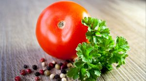 Preview wallpaper tomato, pepper, parsley
