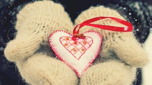 Preview wallpaper valentines day, love, heart, mittens, hands