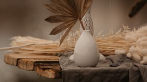 Preview wallpaper vase, bouquet, candle, table, decoration