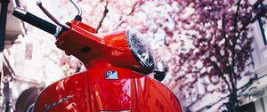 Preview wallpaper vespa, scooter, red, sakura