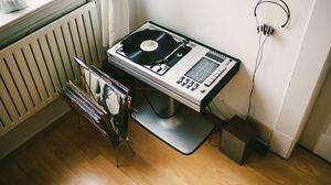 Preview wallpaper vinyl, turntable, records, headphones