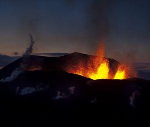 Preview wallpaper volcano, eruption, night, lava, fountain
