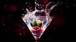 Preview wallpaper water, glass, liquid, drop, drink