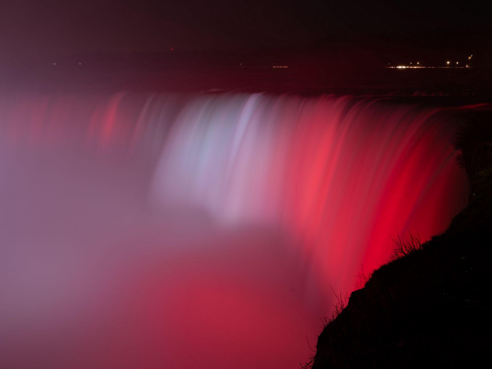 1600x1200 Wallpaper waterfall, fog, backlight, red, dark
