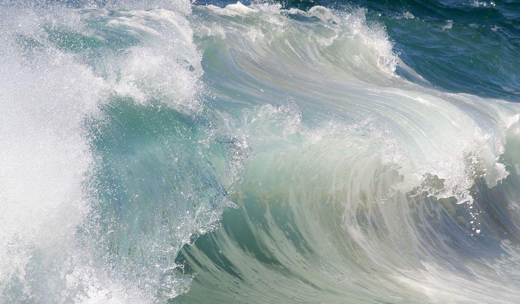1024x600 Wallpaper wave, water, sea, stream, force