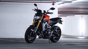 Preview wallpaper yamaha, motorcycle, bike, moto, side view, parking