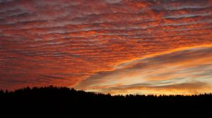 Preview wallpaper sky, clouds, sunset, beautiful