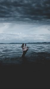 Preview wallpaper water, hand, sea, horizon