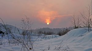 Preview wallpaper winter, light, sun, sky